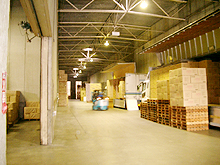 本社倉庫 - 2階車路